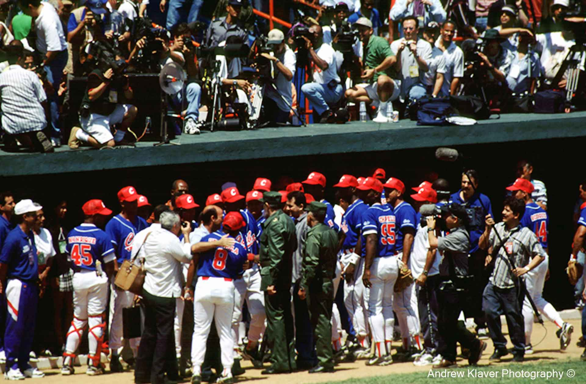 Castro meets the Cuban Baseball team, 1999